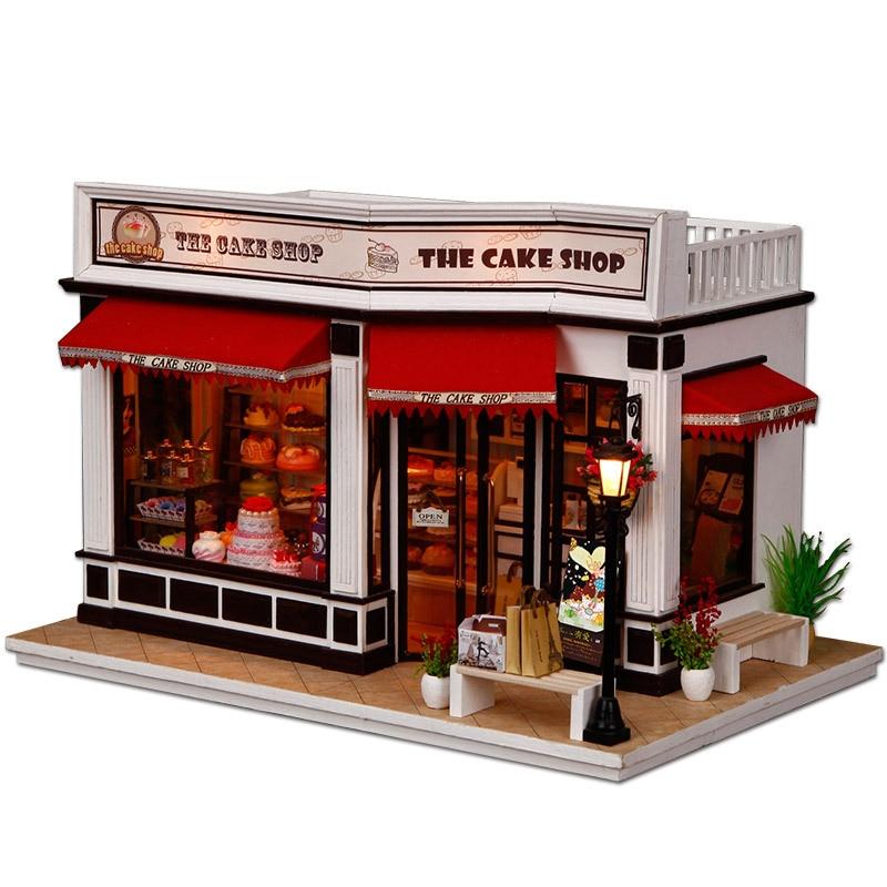 Miniature Gâteau Européen Boutique Artisanale Modèle Bois Dollhouse Meubles Lumière Kit Décor À La Maison DIY Maison de Poupée De Noël Cadeau D'anniversaire