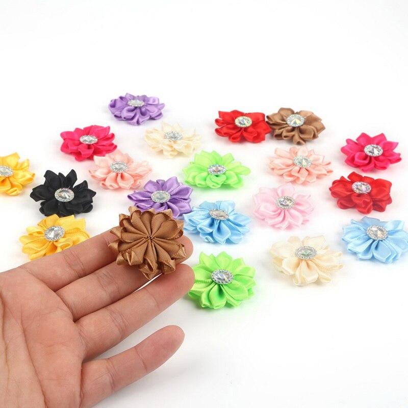 20 Teile/los Multi Farben Handmade Kleine Stoff Satin Blumen mit Strass Appliques Nähen Hochzeit Bekleidung Zubehör Blumen