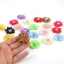 20 sztuk/partia wielu kolorach ręcznie małe tkaniny satynowe kwiaty z Rhinestone aplikacje do szycia akcesoria ślubne kwiaty