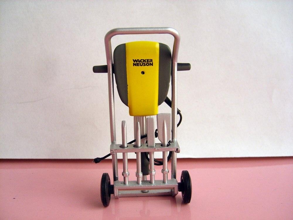 UH-8082 1:12 Neuson молоток EH65 игрушка