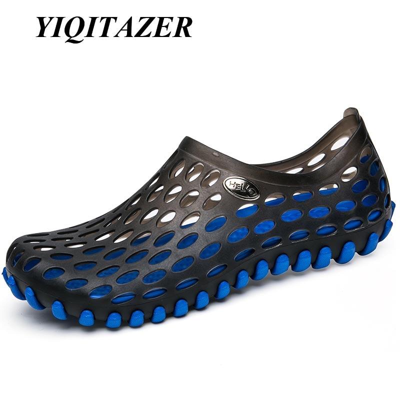 Yiqitazer 2018 صيف جديد بارد شاطئ المياه الصنادل الرجال الاحذية ، ضوء لطيفة عشاق slipon أحذية الرجل الصنادل الأصفر الأزرق