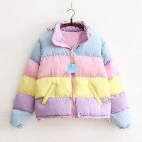 Женское пальто негабаритных Harajuku Parkas короткая стеганая теплая куртка Полосатая Зимняя одежда радужная полоса Сращивание пушистая парка