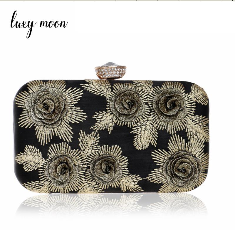 купить 100% Embroidery handmade evening bag full dress flower evening clutch bag Women's Purse Wedding purse chains handbags ZD688 по цене 1570.74 рублей