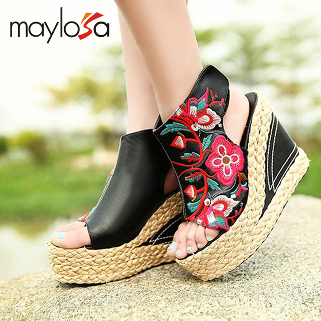 The new tide of ethnic women's shoes embroidered shoes high wind with straw wedge sandals