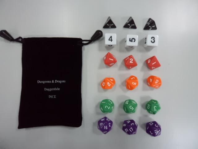 มังกรและดันเจี้ยนสีสวยงาม 18 เม็ดแพ็ค + ถุง D & D ส่วนตัว, Wan Chi ลูกเต๋า