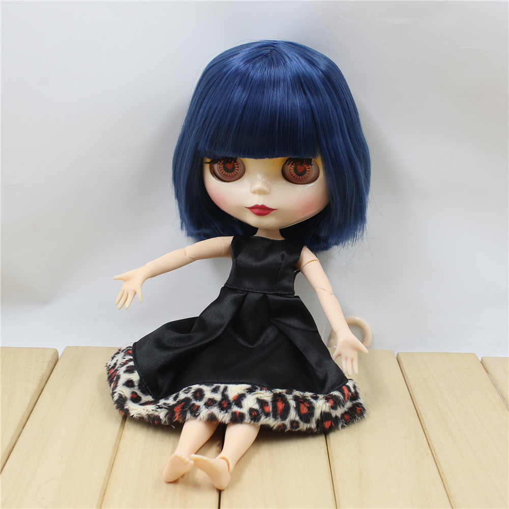 Neo Blythe Doll with Blue Hair, White Skin, Shiny Face & Jointed Body 3