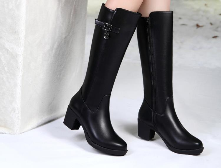 2018 winter new leather boots female round head thick with high boots and velvet side zipper long tube womens boots2018 winter new leather boots female round head thick with high boots and velvet side zipper long tube womens boots
