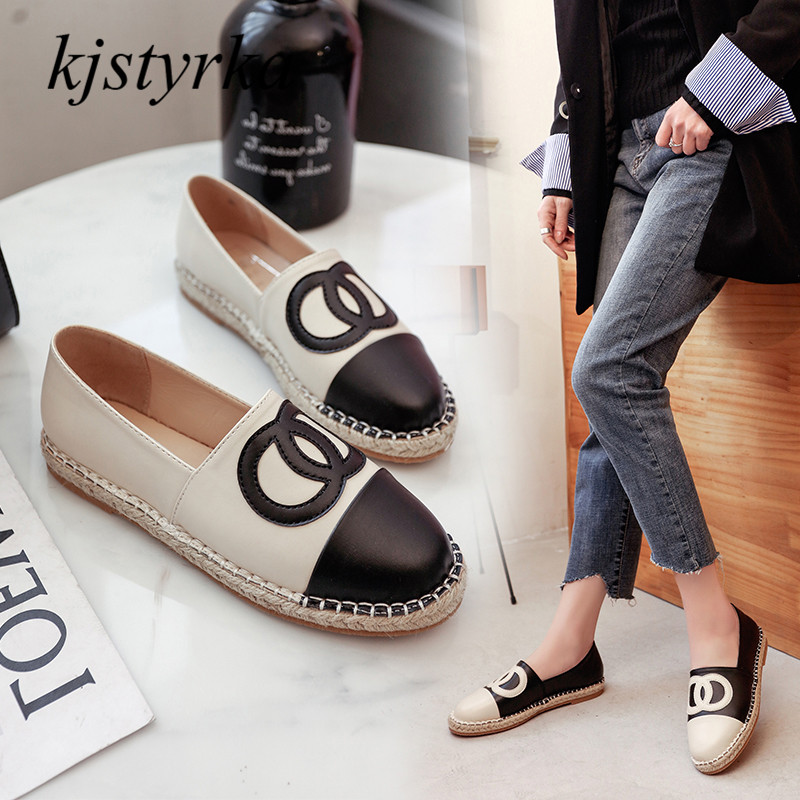 Kjstyrka 2018 New Fashion brand design Women Flats Patent Leather round Toe Mary Janes Casual Flat Shoes Woman loafers shoes trendy women s flat shoes with round toe and tassels design