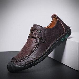 Image 4 - プラスサイズ本革紳士カジュアルシューズ非スリップローファーフラットシューズ男性通気性屋外の快適ウォーキング男性の靴