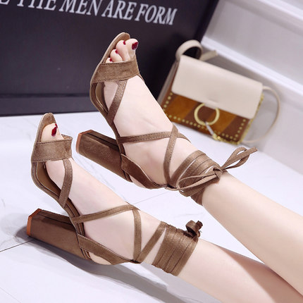 Summer new Roman style cross straps thick with sandals wild small fresh high heels. 1
