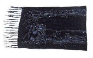 Image 3 - Foulard en velours pour femmes, magnifique châle de fête, en velours lisse, imprimé Rose noir, cadeau dhiver pour dames