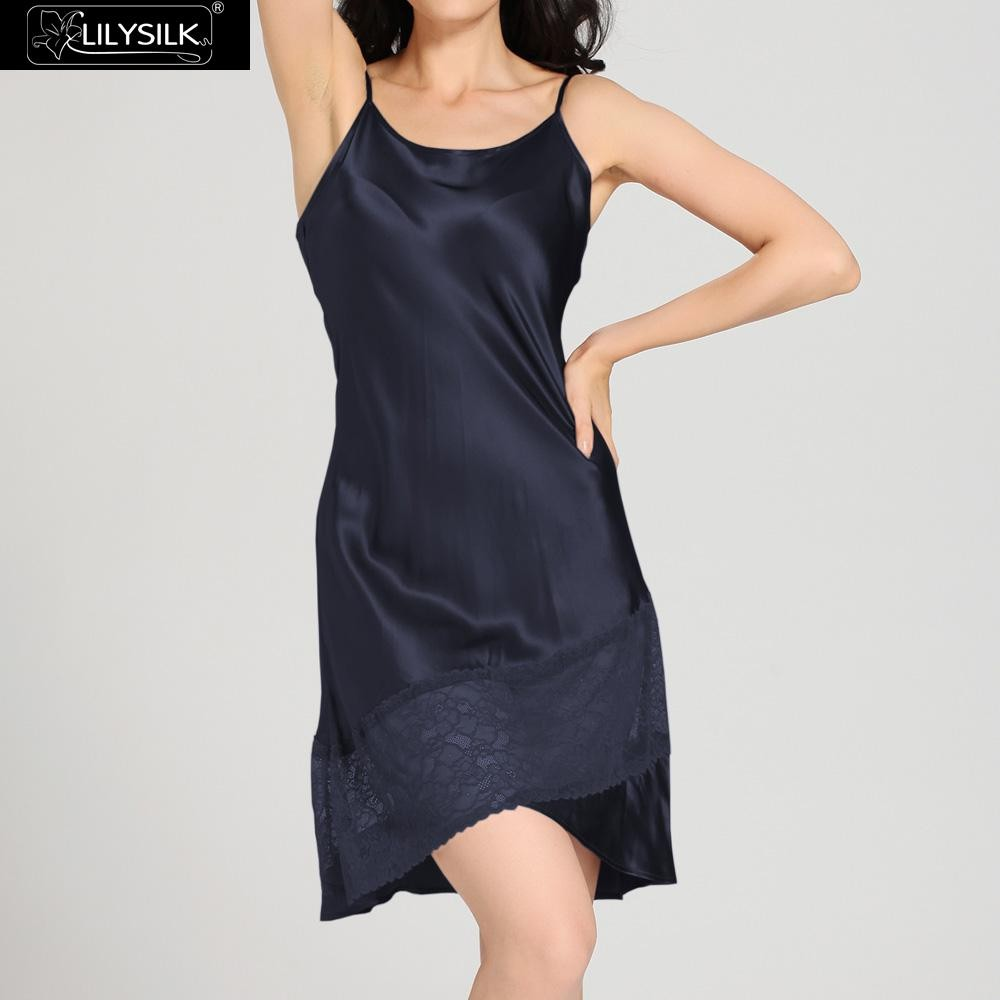 1000-navy-blue-22-momme-flowing-lace-silk-nightgown-&-dressing-gown-set-01