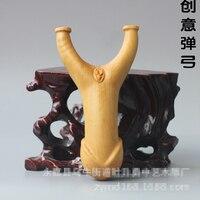 Creative wood carving Integration of men and women Slingshot fork gift home decoration desktop ornaments(A827)