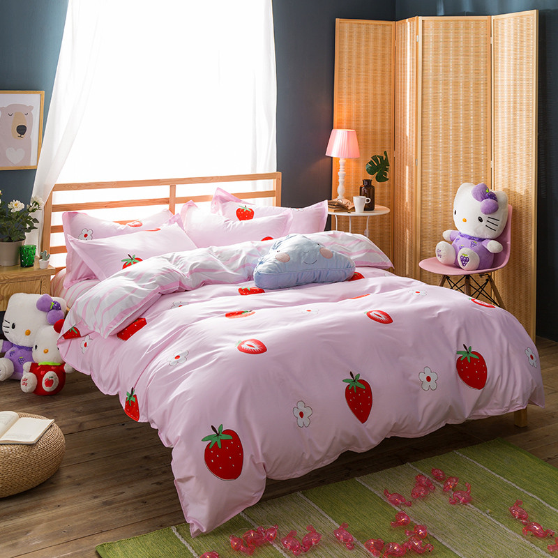 Modern Style Cartoon Image Strawberry Party Print Pattern Bedroom Comfortable Queen/Extra Large4pcs Set Quilt Bedding Pillowcase