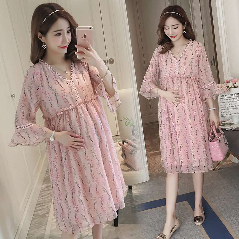 2018 summer new short-sleeved maternity dress Korean fashion floral chiffon long pregnant women dress spring new women long dress nightgowns white short sleeved nightdress royal vintage sweet princess sleepwear dress free shipping