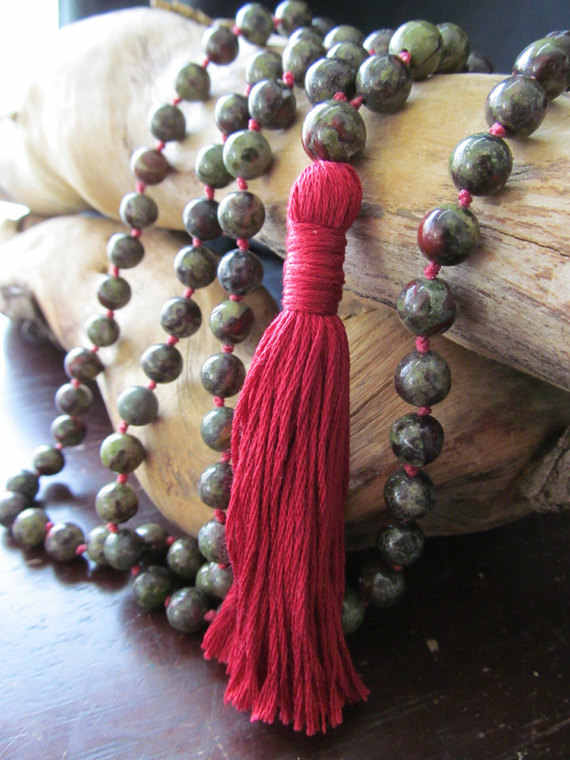 108 Bead Mala Necklace Bloodstone Vòng Cổ Tua Dài Dây Chuyền Yoga Jewelry Cầu Nguyện Hạt Dây Chuyền Japa thiền Mala Hạt