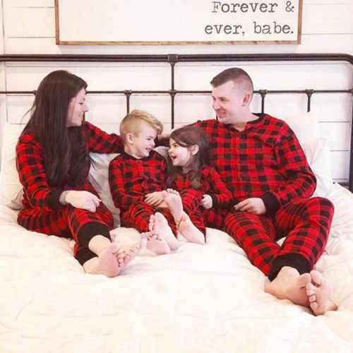 ... 2018 Новый Рождественский красный плед комплект одежды Семейные  комплекты Рождественская пижама Рождественский комплект для взрослых  мужские ... 537bd29aa0cdb