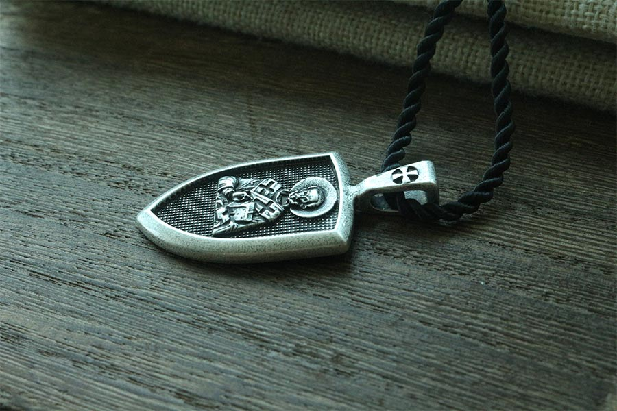 collier homme famille