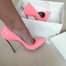 Женщины сексуальные насосы привлекательный ярко-розовый лакированной кожи острым носом стилет каблуки кратким металла пятки дизайн очаровательная платье обуви горе