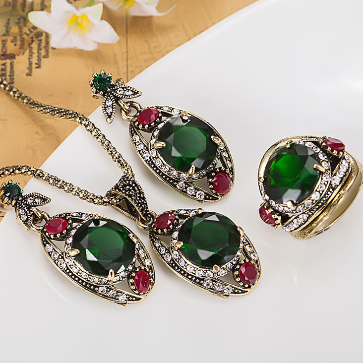 a71831bb88e27 Fashion Women vintage Rhinestone Turkish Jewelry Sets Antique Gold-color  Chain Pendant & Necklace Earring Sets Women Brincos