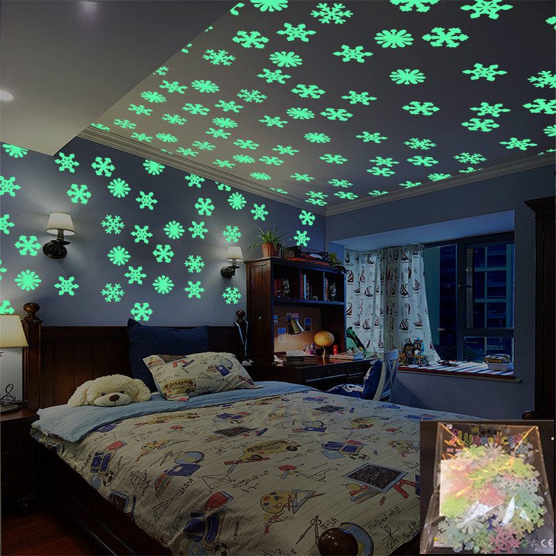 50Pcs/set Glow In The Dark Snow Stickers Fluorescent Glow Toy Night Luminous Moon Star Toys Light Up Baby Sleeping Toy Kids Gift