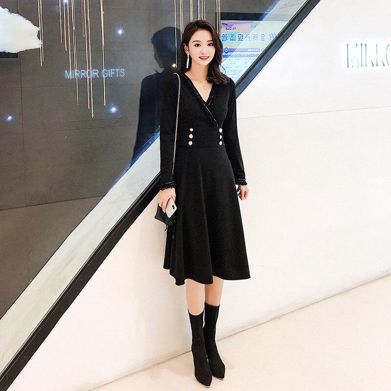 2018 menton dans le port de l'atmosphère qualité col en v longue ligne a montrer mince Hepburn posé robe petite robe noire