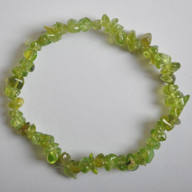 Lucky Chip Beads Green Peridot Stretch Bracelet 8 Inch Jewelry For Gift G675