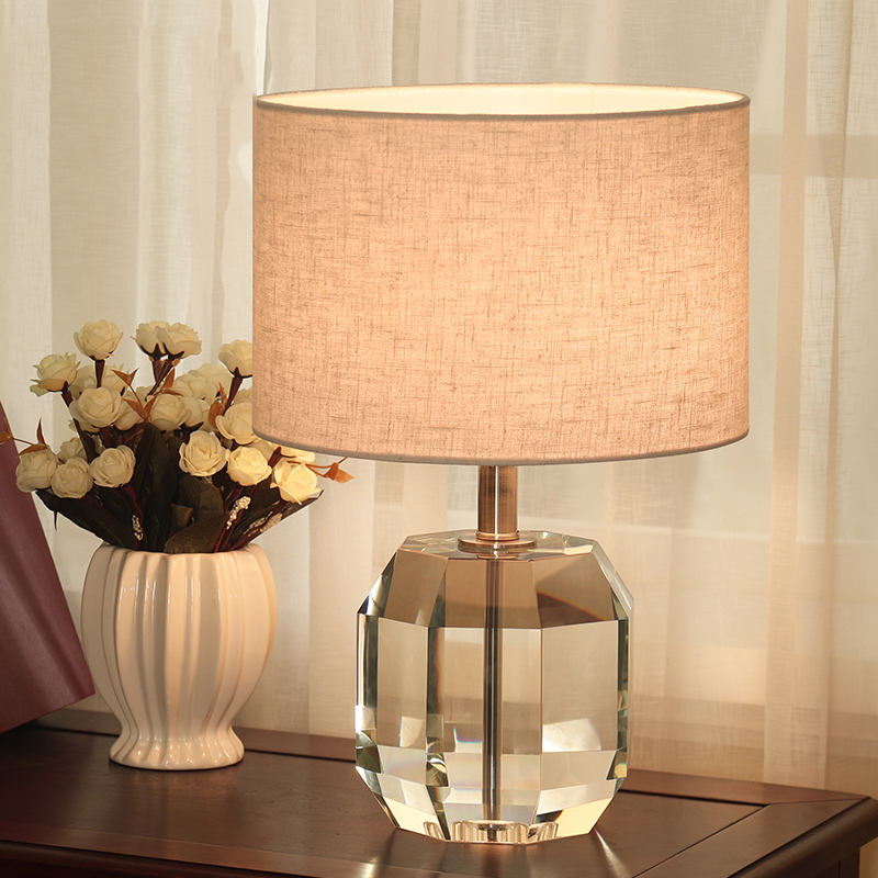 Modern LED Table lamp Lustre Geometry Crystal Table Lamps For Bedroom Bedside Lampshade Abajur Lampara De Mesa Art Luminaria modern led table lamp lustre geometric diamonds table lamps for bedroom bedside lampshade abajur lampara de mesa art luminaria