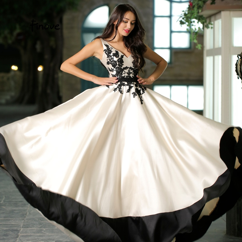 Finove Elegant Beige Color Prom Dress 2018 New Arrivals Simple Appliques Sexy V-Neck  A-Line Court Train Prom Party Gowns