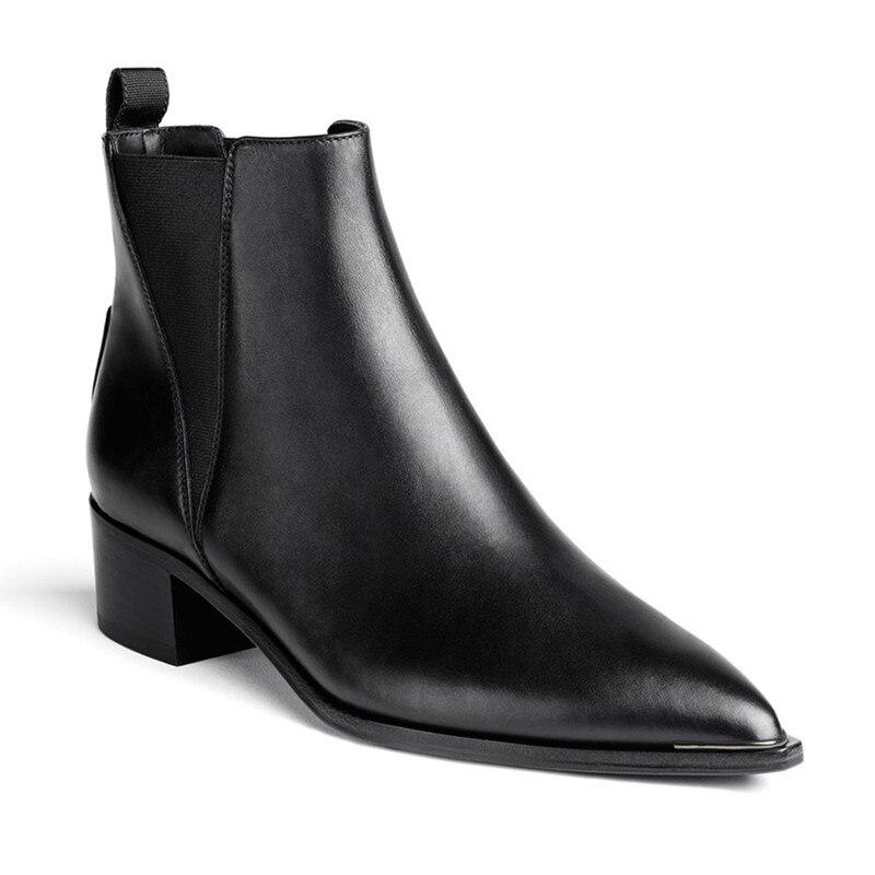 Ayakk.'ten Ayak Bileği Çizmeler'de Yeni 2017 kış hakiki inek deri moda yarım çizmeler chelsea üzerinde kayma kadın bot ayakkabı kadınlar için sivri burun metal dekorasy'da  Grup 2