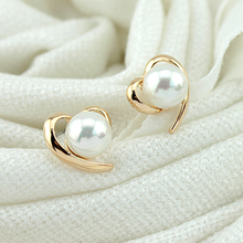 Mossovy Simulated Pearl Gold Heart-shaped Stud Earrings for Women Fashion Alloy Female Jewelry Aretes De Mujer