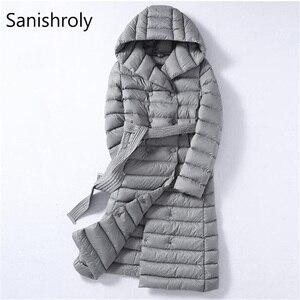 Image 1 - Sanishroly 2018 biała kurtka puchowa topy kobiety skrzydła długie Ultra Light dół płaszcz Parka kobiet kurtka z kapturem Plus rozmiar 288