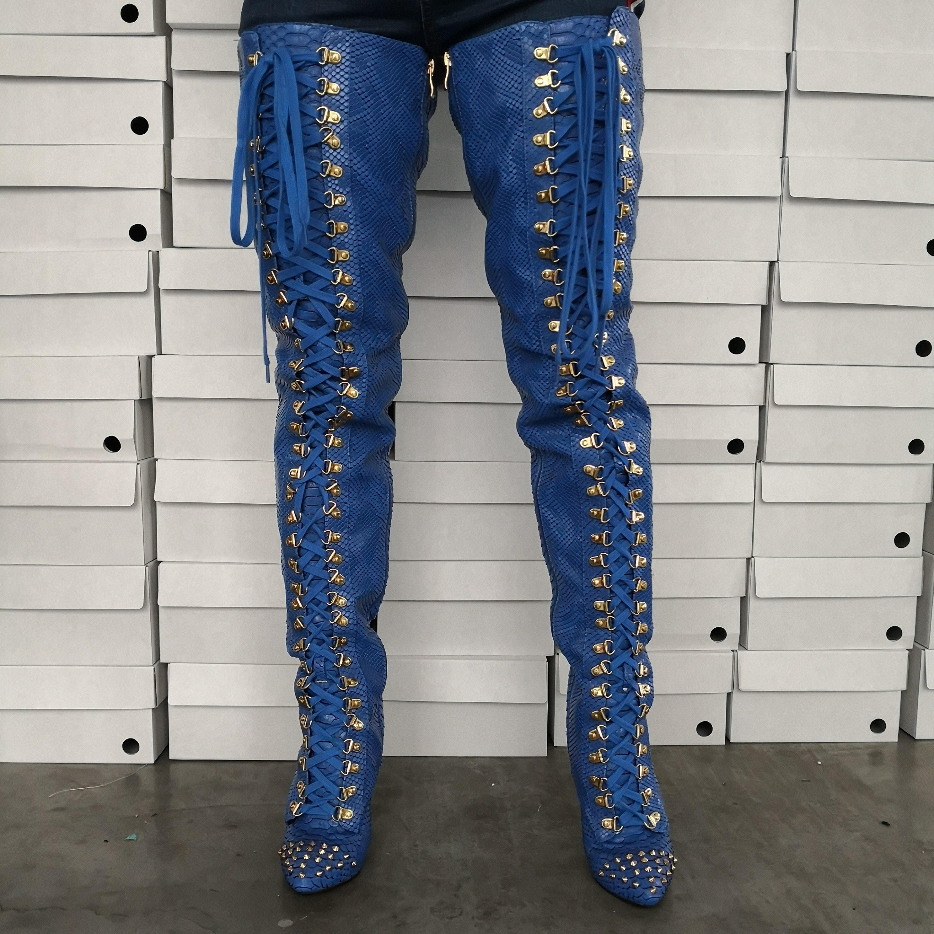 Intention originale nouveau élégant femmes bottes sur le genou échelle de poisson modèle sangle talons minces bottes chaussures femme grande taille 5-15