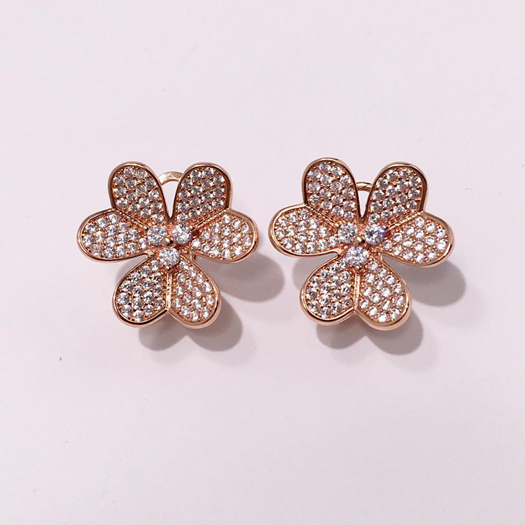 Flower Shape Banquet Rhinestone Stud Earrings Luxury Brand Copper Micro Pave Clear Cubic Zircon Party earrings Gift for her