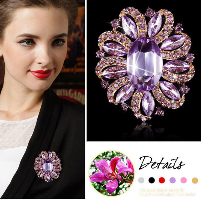 Factory Direct Sale Classic Crystal Rhinestones and Large Oval Acrylic Flower Br