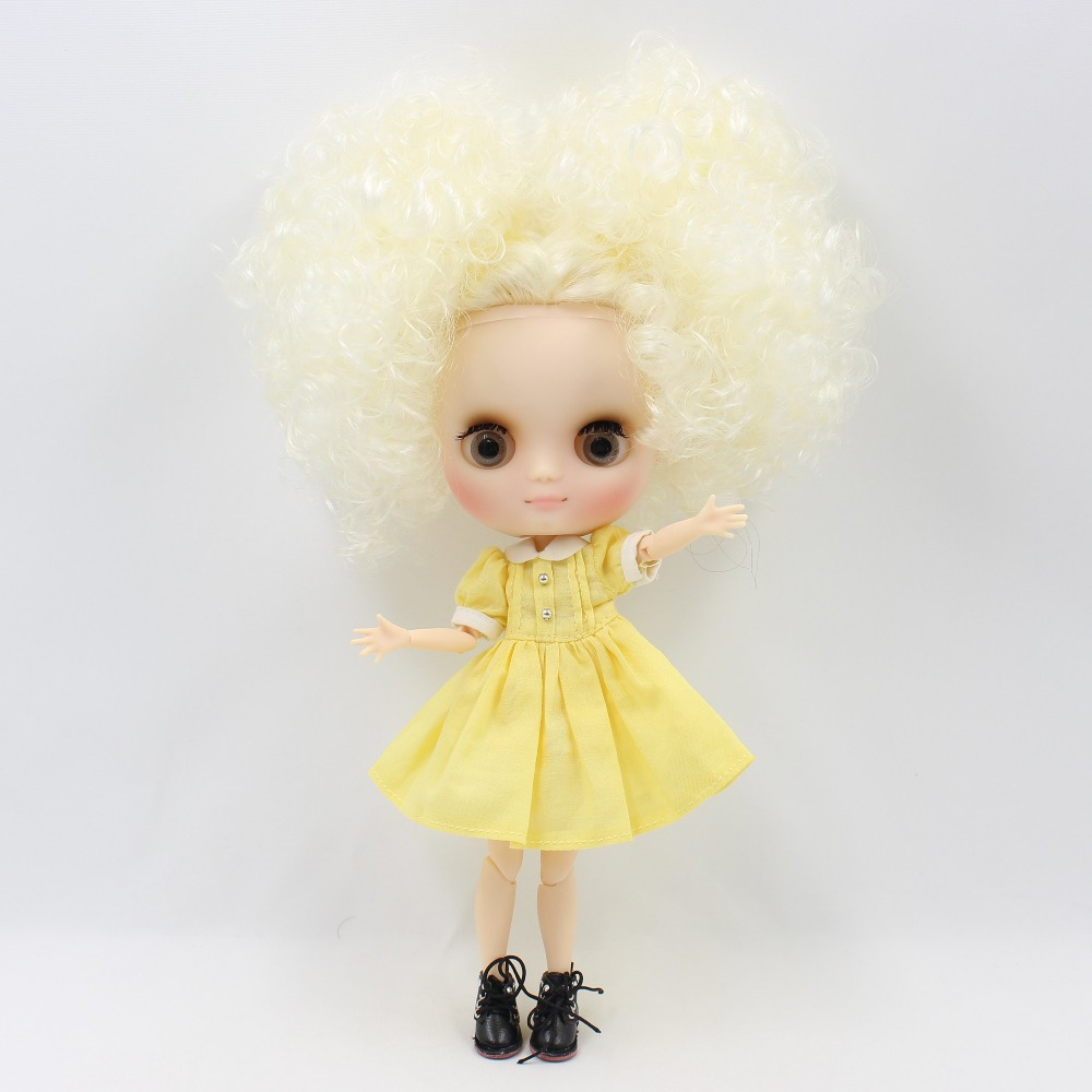 Middie Blythe Doll with Blonde Hair, Tilting-Head & Jointed Body 1