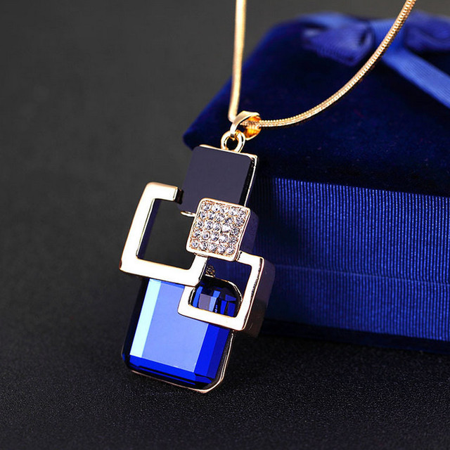 Geometric Fashion Crystal Necklace