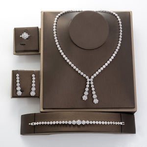 Image 2 - Hadiyana פשוט עגול נשים תכשיטי סט עם מעוקב Zincons שרשרת עגילי צמיד טבעת 4pcs שושבינה חתונה סטי TZ8032