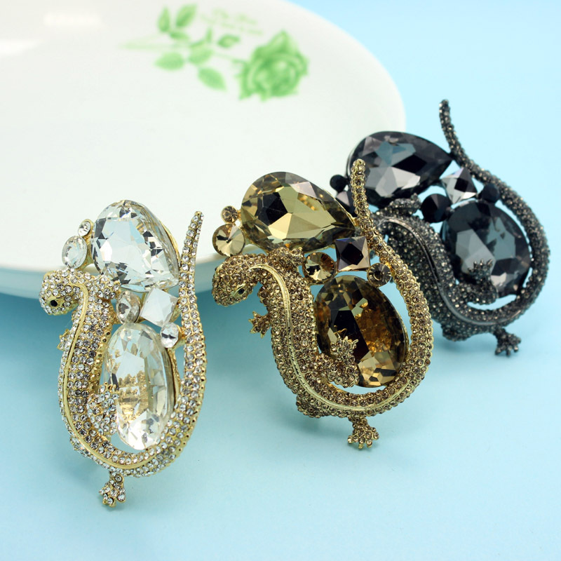 48d93fb61 Very Kawaii Cute Animal Brooch For Man Collar Men Rhinestone Broaches  Fashion Large Wedding Brooches Anniversary Jewelry Broche-in Brooches from  Jewelry & ...