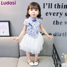 Stile cinese Vestiti Dalla Ragazza Del Bambino Blu e Bianco Porcellana Cheongsam  bambini Vestiti Bambini Filato Abito della Fest. 98a0f92dbee