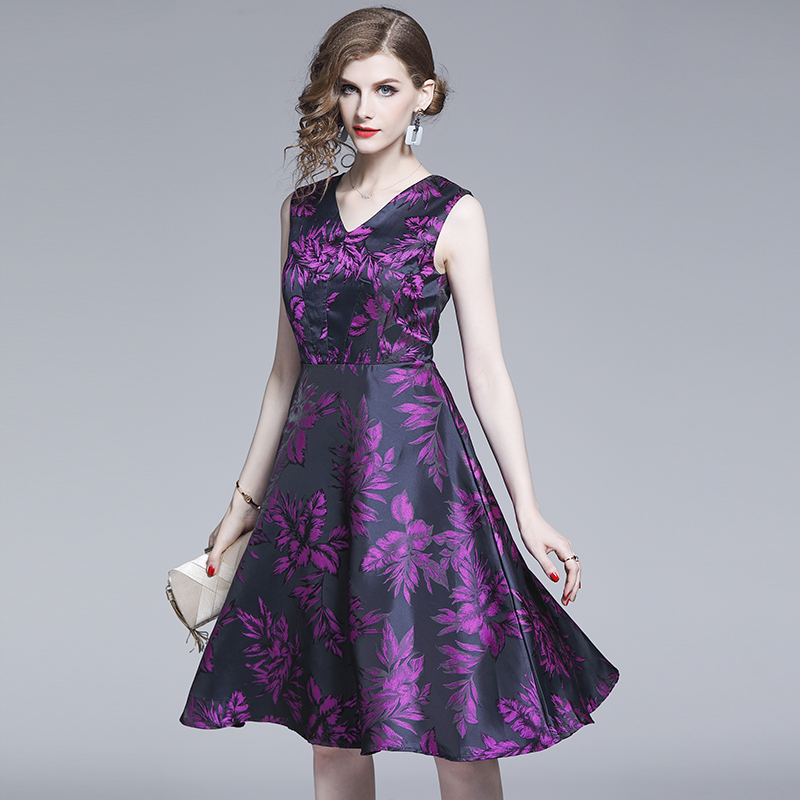 Spot pour filmer une nouvelle Europe et les états-unis vêtements pour femmes violet jacquard col en v sans manches robe à lacets