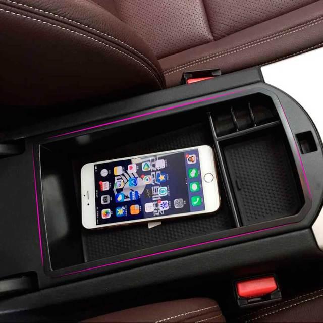1 pc New Black Car Center Console Apoio de Braço caixa de Armazenamento de Compartimento de Moeda titular bandeja com esteira de borracha para bmw f26 x3 x4 2014 2015