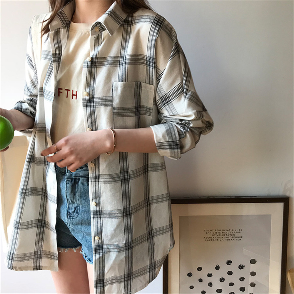 Big Loose women plaid blouses shirts 2018 Women Office Air Conditioner Blouse Shirt Female Outerwear Casual Pocket Shirts (32)