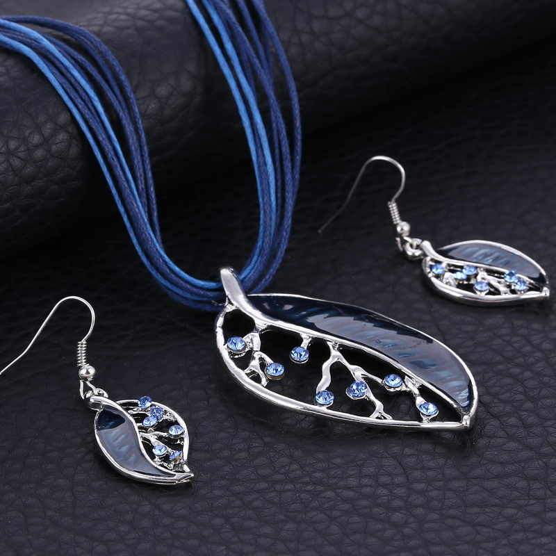 Fashion Jewelry Set Multilayer Leather Silver Chain Leaves Pendant Necklaces Drop Earrings Jewelry Set Factory Wholesale Price