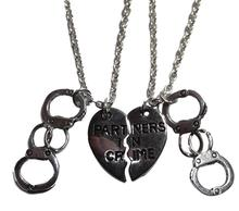 Partners In Crime Split Hearts Handcuffs Necklaces Pendant Charms Vintage Silver Statement Choker Necklaces Women Jewelry B437