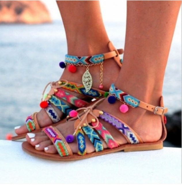 8c8edca2e7b712 New Bohemian Women Sandal Flat Heel Sandalias Thong Flip Flops Sapatos  Rhinestones Chains Thong Gladiator Casual Sandals Fashion