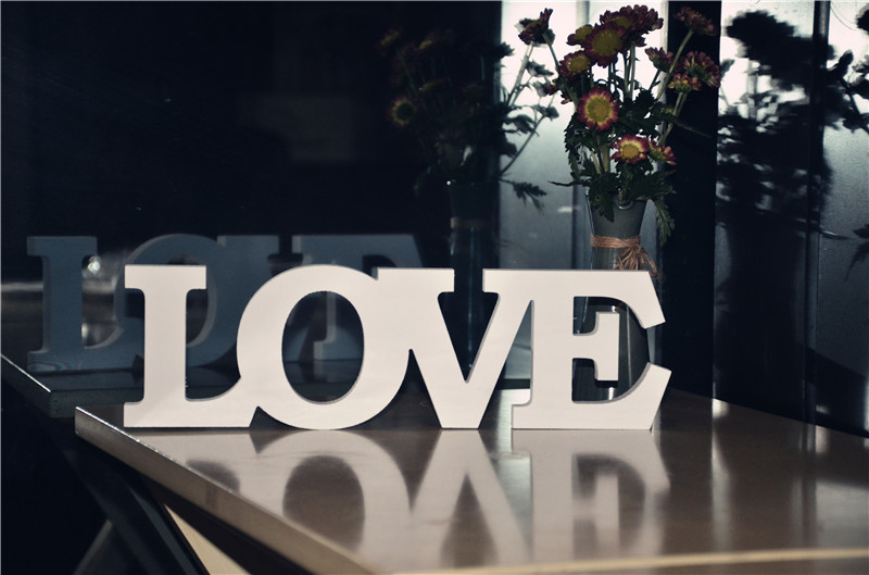 PVC Standing Love Letters Sign Plaque Decoration Gift Wedding Decoration Letters Love Sign Home Table Decoration