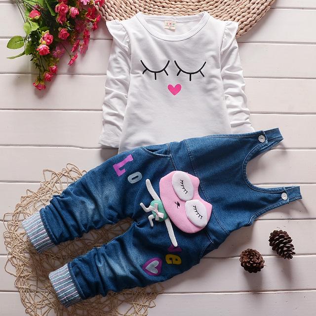 Otoño de la alta calidad de Los Niños ropa de Bebé Niñas de Algodón pantalones vaqueros de los guardapolvos + capa Twinset niño Ocasional juego de los deportes envío gratis