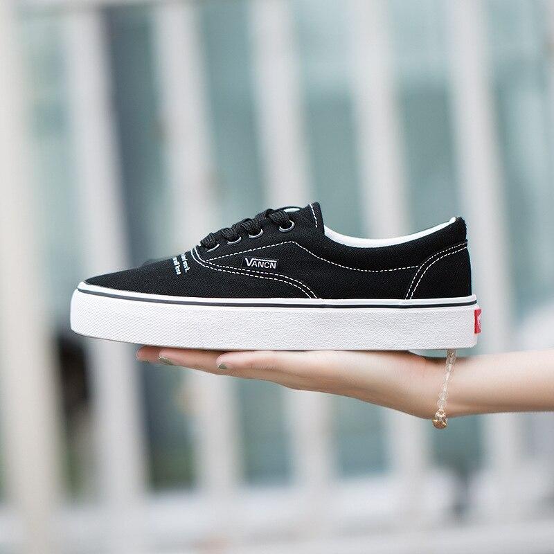 2018 Primavera Novo Padrão Branco Pequeno Estudante Sapatos de Lona Mulher Lazer Coreano Carta Tempo Sapato Preto