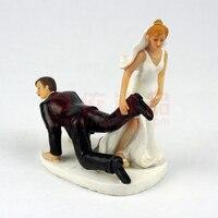 Wedding Favor Comical Groom Bride drag Romantic Couple Figurine European Style Wedding Cake Toppers Wedding Decor